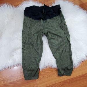 Lululemon athletica cropped leggings size 8
